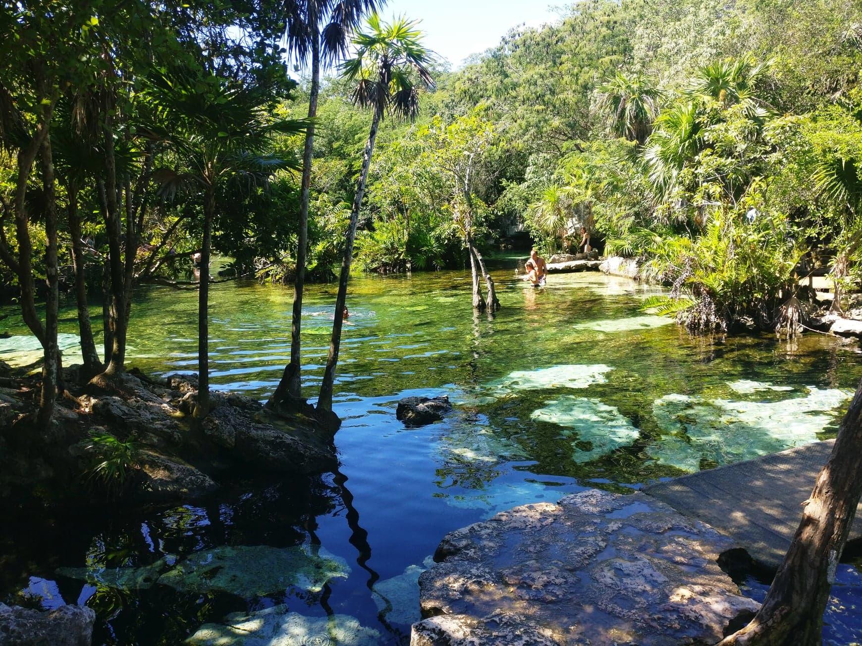 cenote azul tulum mexique