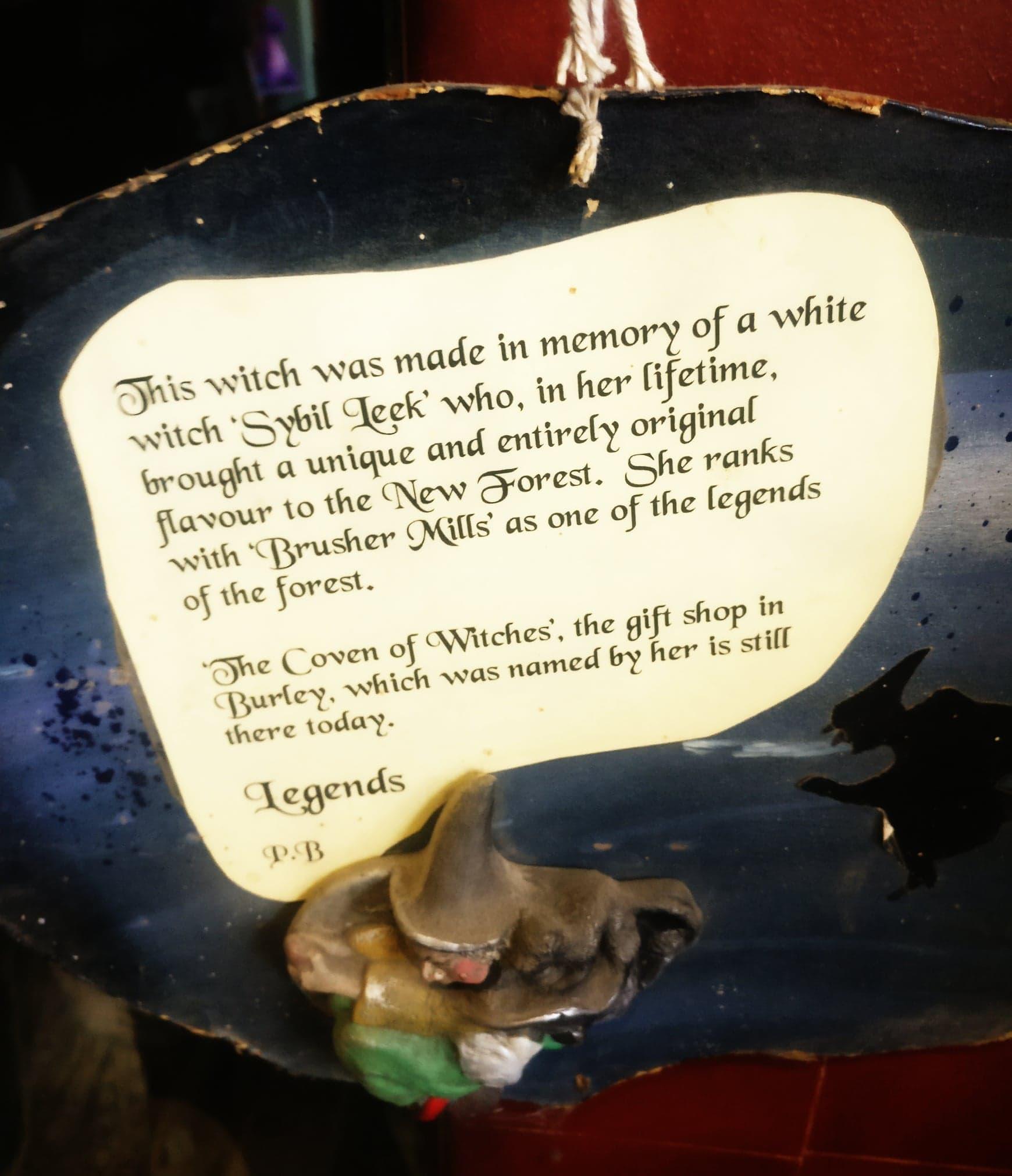 burley new forest angleterre sorcière hanté fantôme hampshire sybil leek