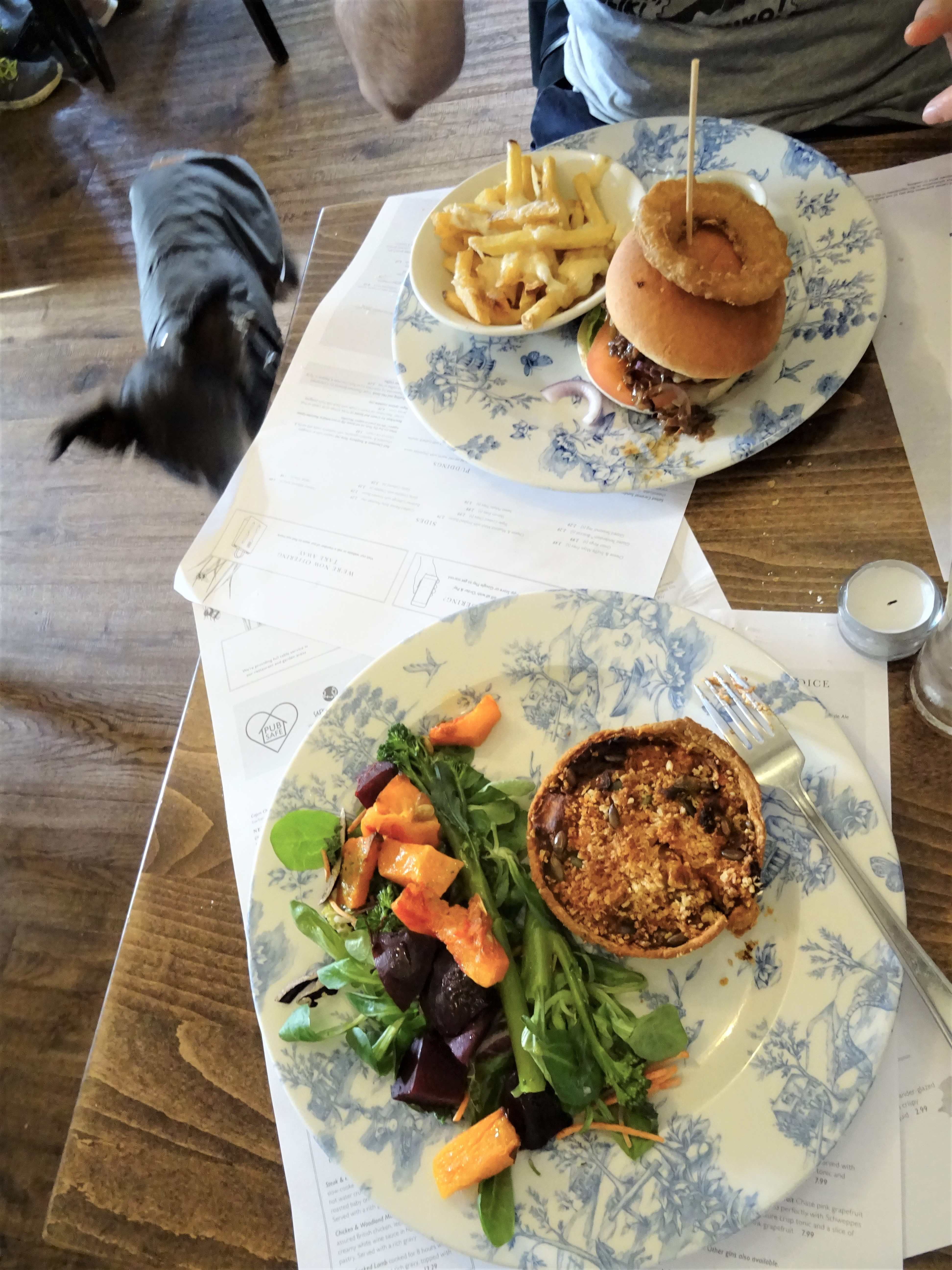 burley new forest angleterre sorcière hanté fantôme hampshire pub restaurant